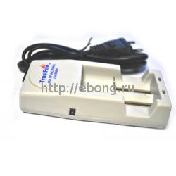 Зарядное устройство Trustfire TR-001 3.7 V универсальное